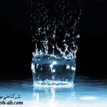 بیش از ۷۰ % از حجم بدن مارا آب تشکیل می دهد.
